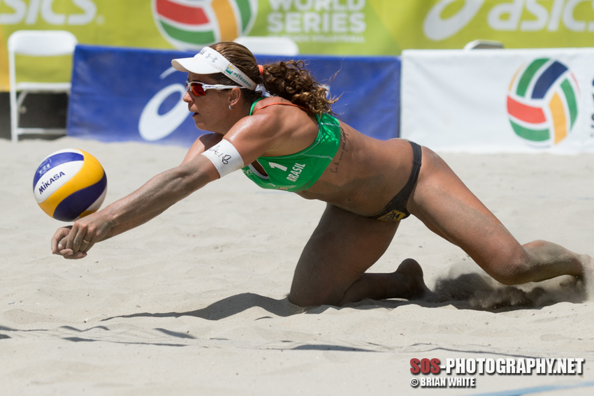 Larissa França at the 2015 FIVB Long Beach Grand Slam