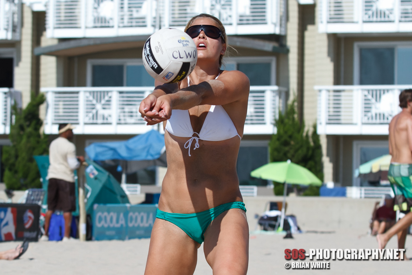 Morgan (Beck) Miller at the 2011 Corona Wide Open Hermosa Beach