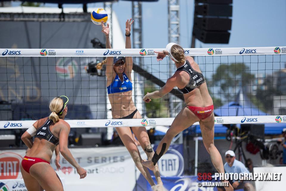 Kerri Walsh Jennings, Madelein Meppelink_FIVB Long Beach (07-26-2014)_IMG_2382