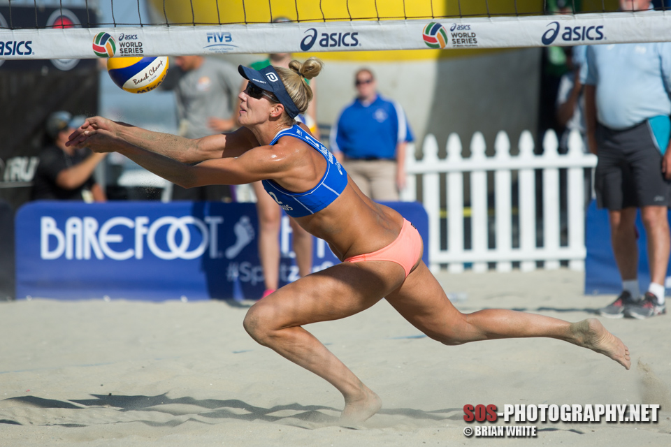 Louise Bawden chases down the ball at 2015 FIVB Long Beach Grand Slam