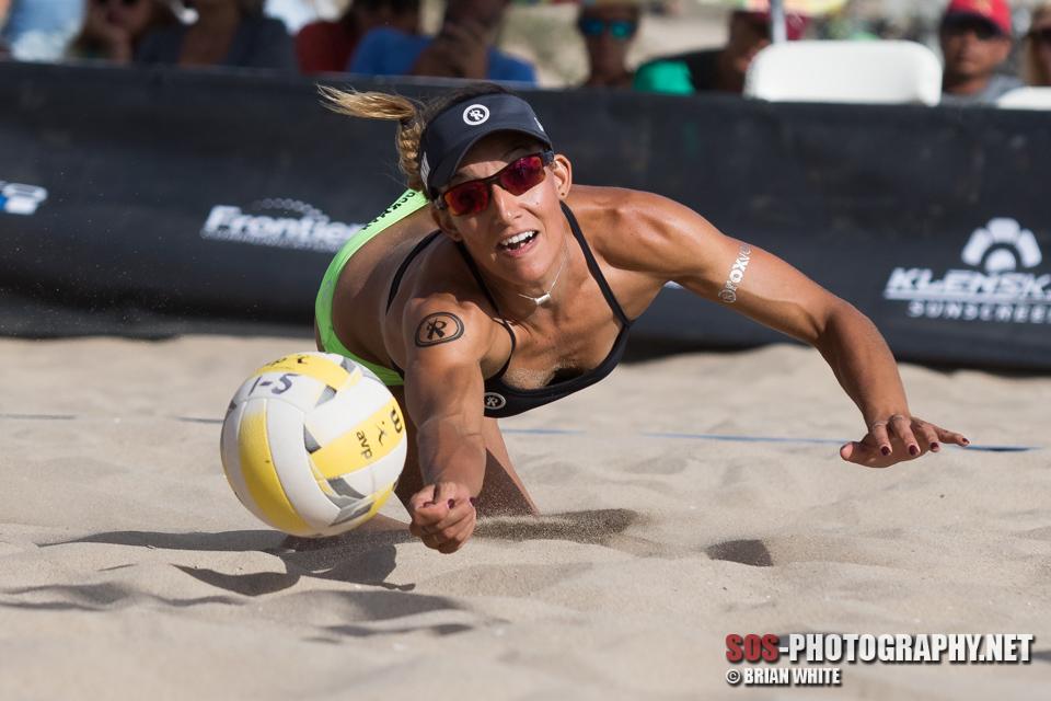 Emily Stockman gets beneath the ball at AVP Manhattan Beach