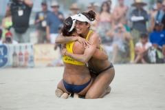 Elsa-Baquerizo-McMillan-Liliana-Fernández-Steiner_FIVB-Long-Beach-07-26-2014_IMG_2242
